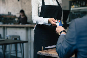 5 Ways Restaurants Can Reduce Employee Turnover in 2021
