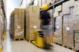 Should Manufacturers Use U.S. Supply Chain Partners? Pros & Cons