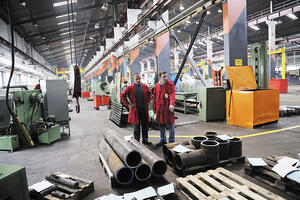 4 Strategies to Improve Productivity in Manufacturing